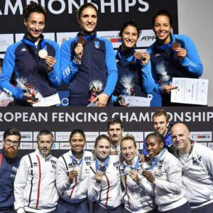 Médaille d'argent pour Ysaora et ses coéquipières de l'équipe de France. Le bronze pour Alice et ses coéquipières.