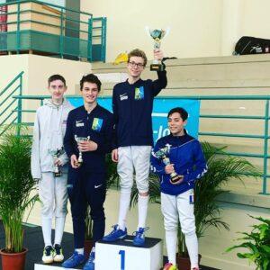 Kirill remporte la Coupe d'Automne, Arthur monte sur la 3ème marche